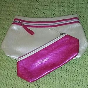 💄💅Bundle of 2 cosmetic bags